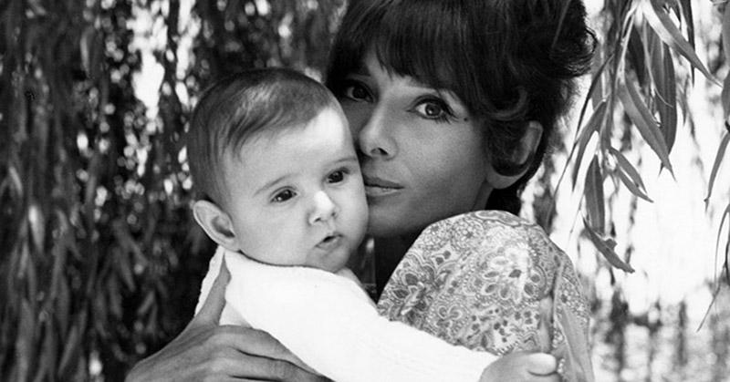 Audrey-Hepburn-la-mamma-vista-con-gli-occhi-del-figlio-nel-nuovo-libro