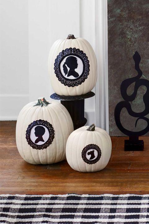 gallery-1472486631-halloween-party-pumpkins-1016